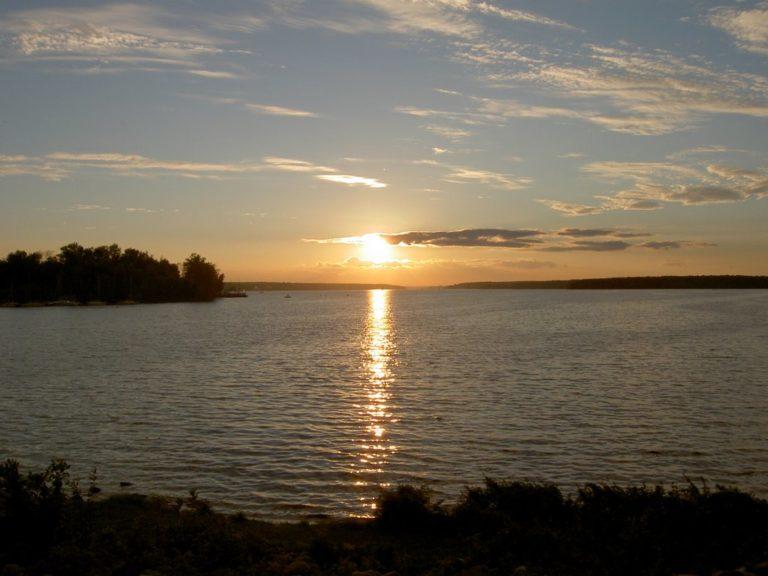 Закат на Пироговском водохранилище | «Бухта радости»