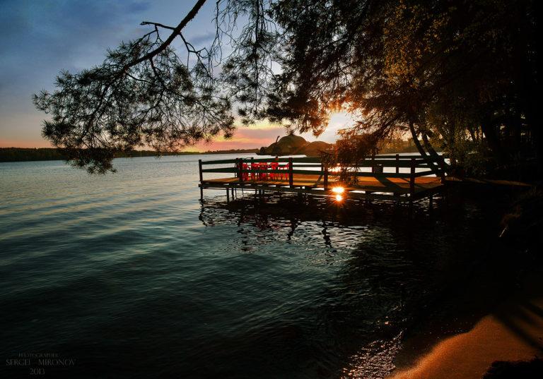 Пирс на закате | Пляжный комплекс «Бухта радости»